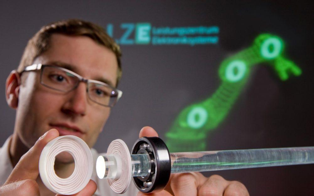 LZE - Kontaktlose Energie- und Datenübertragung in Systemen mit schnell bewegten Komponenten - Thumbnail