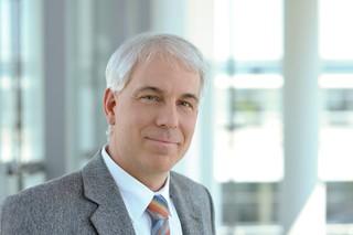Dr. Bernd Fischer